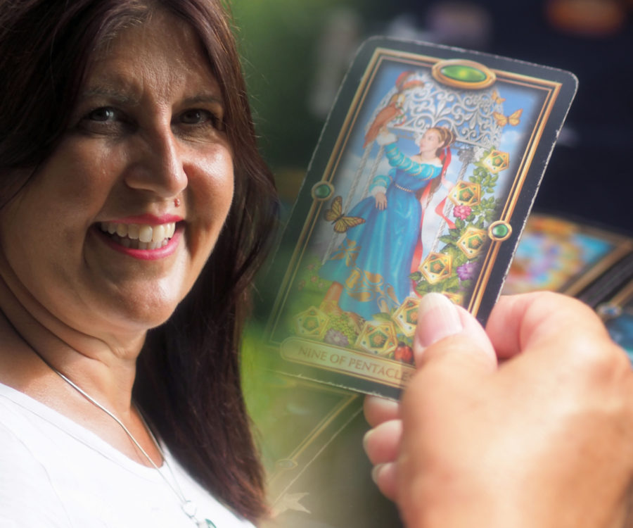 Neshla Avey tarot readings
